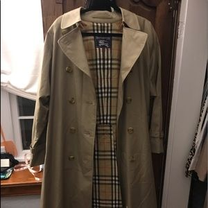 Vintage Burberry trench excellent condition